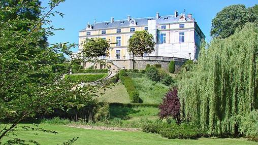 Castillo Colbert junto al Parque Oriental de Maulévrier