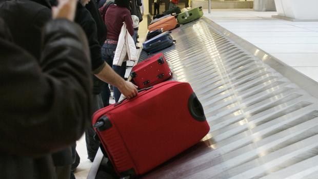 Todo lo que hay que saber para viajar sin facturar maleta