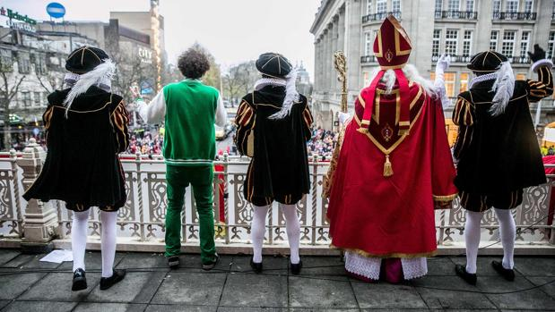 San Nicolás y sus pasajes, en Ámsterdam