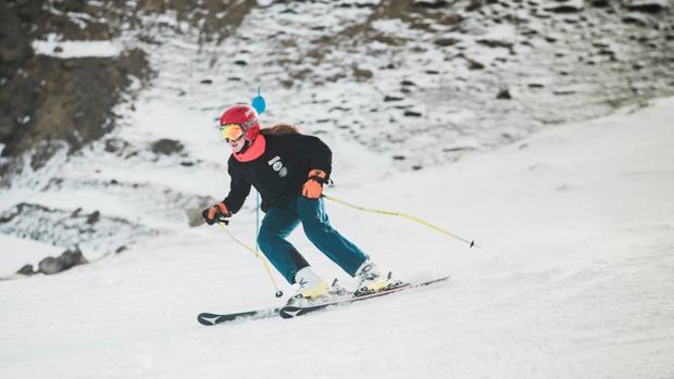 Un esquiador en las pistas de Formigal-Panticosa
