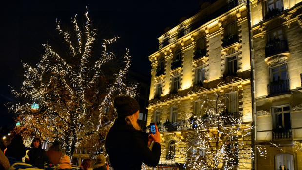 Iluminación navideña en el centro de París