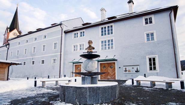 Plaza de Joseph Mohr, autor de la letra de Noche de Paz, en Mariapfarr