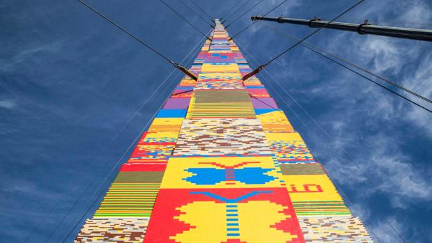 La torre Lego, en pleno proceso de construcción, el 27 de diciembre, en Tel Aviv