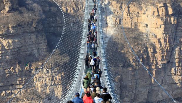 Detalle del nuevo puente de 488 metros de largo en la provincia de Hebei