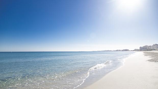 Con más de 40 kilómetros de playas, San Javier está bañado por «dos mares», separados por La Manga