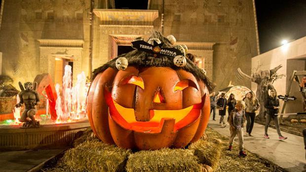 Los parques temáticos de España celebran Halloween con decoraciones y espectáculos para todos los públicos