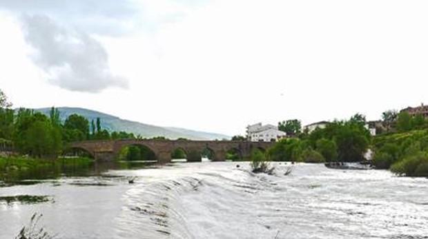 Puente medieval de El Barco de Ávila, por donde transcurre una de las rutas teresianas